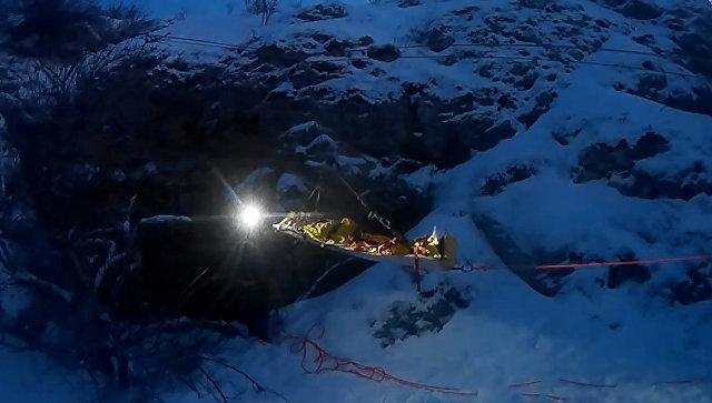 ВКрыму мужчина выжил после падения впещеру глубиной 15 метров