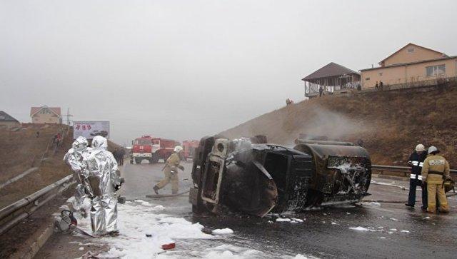 Шофёр опрокинувшегося бензовоза сгорел вСимферополе
