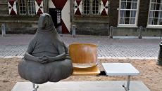 Скульптура Homunculus Loxodontus Маргрит ван Брифорт