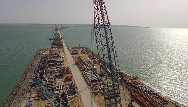 Вид сверху: строительство моста через Керченский пролив