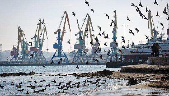Феодосийский морской торговый порт. Архивное фото