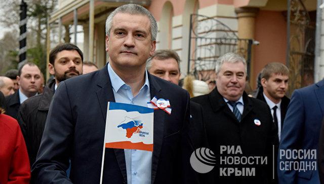 Глава Республики Крым Сергей Аксенов на праздничных мероприятиях в Симферополе, посвященных третьей годовщине Крымской весны