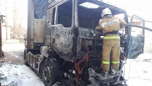 ВСимферополе сгорел фургон . Пострадал шофёр