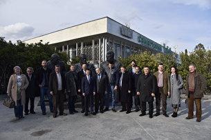 Делегация иностранных депутатов посетила Ливадийский дворец в Ялте. 19 марта 2017 года
