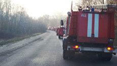 Колонна пожарных машин возле города Балаклея Харьковской области
