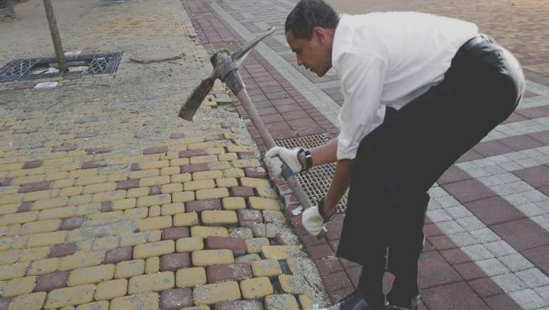 Шуточная картинка по поводу реконструкции центральных улиц Симферополя