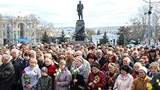 Митинг в Севастополе в память о жертвах теракта в метро Санкт-Петербурга