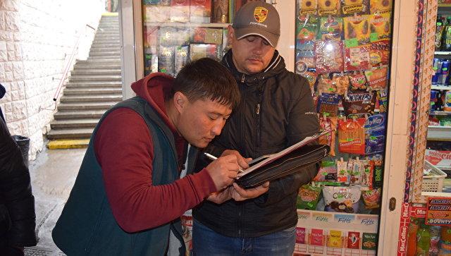 В Симферополе выявили 35 граждан Узбекистана, которые незаконно осуществляли торговлю на территории города