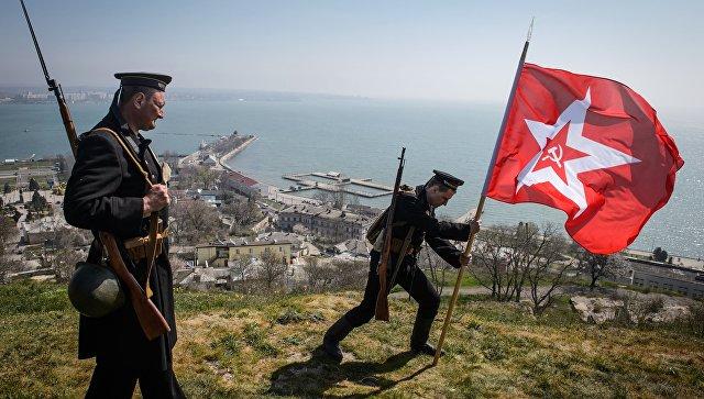 Водружение флага на гору Митридат в Керчи