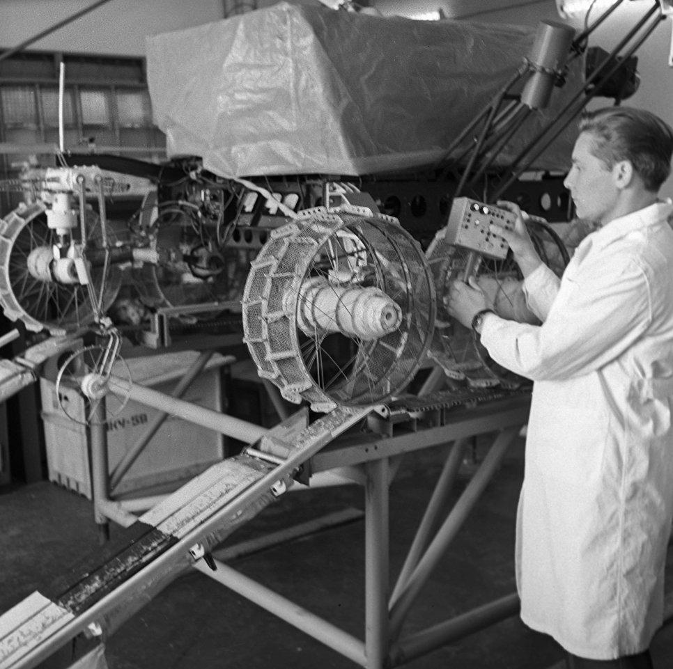 Проверка ходовой части «Лунохода-1»
