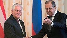Министр иностранных дел РФ Сергей Лавров и Госсекретарь США Рекс Тиллерсон во время переговоров в Москве. 12 апреля 2017 год