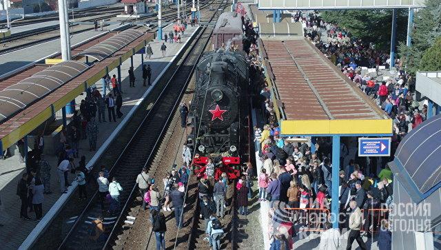 В Симферополь прибыл Поезд Победы