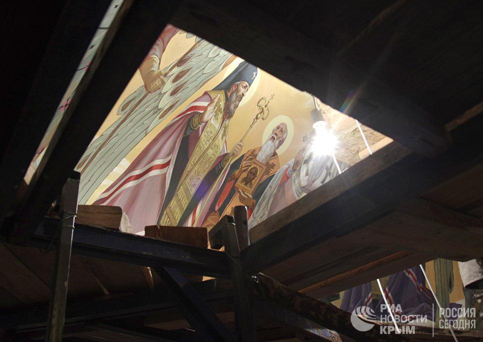 Роспись купола Свято-Александро-Невского кафедрального собора в Симферополе