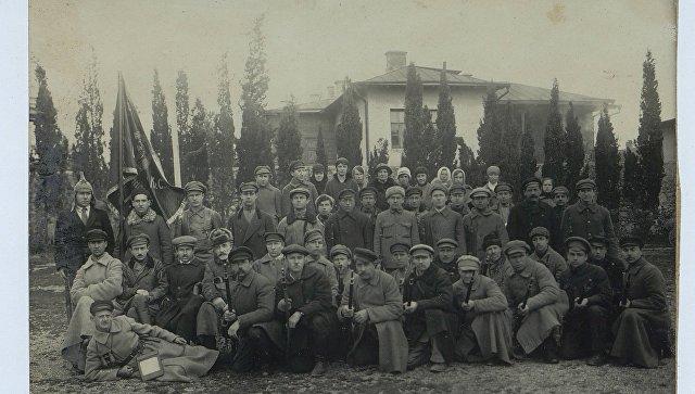 Коллективная фотография сотрудников Крым ЧК