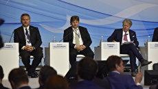 Президент регионального совета Венето (Италия) Роберто Чамбетти и депутат итальянского регионального совета Венето Стефано Вальбегамбери на III Ялтинском международном экономическом форуме