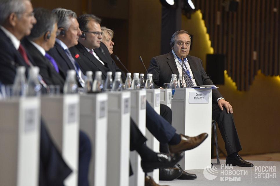 Вице-премьер крымского правительства Георгий Мурадов на Ялтинском международном экономическом форуме