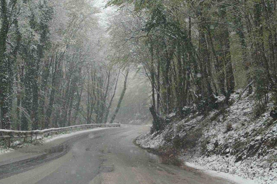 Снегопад в Крыму. 23 апреля 2017