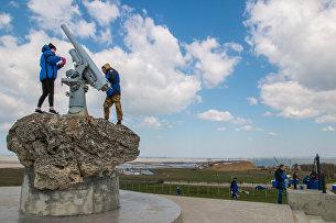 Строители моста через Керченский пролив приняли участие в общероссийском субботнике на Пушке Лендера, ст. Тамань