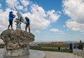 """Строители моста через Керченский пролив приняли участие в общероссийском субботнике на """"Пушке Лендера"""", ст. Тамань"""