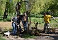 Уборка Гагаринского парка в Симферополе в рамках Всекрымского субботника