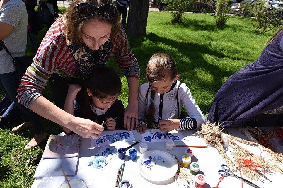Мастер-классы для детей на открытии туристического сезона-2017 в Симферополе