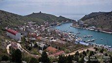 Вид на бухту в Балаклаве с генуэзской крепости Чембало