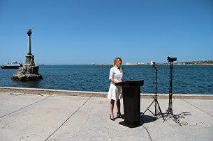 Официальный представитель МИД России Мария Захарова во время проведения брифинга в Севастополе
