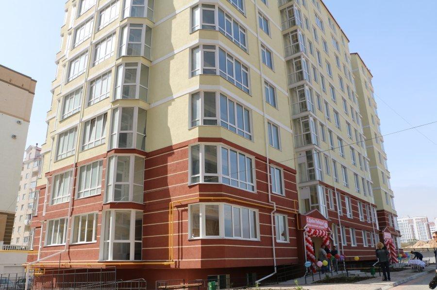 Десять ветеранов получили новые квартиры вСевастополе
