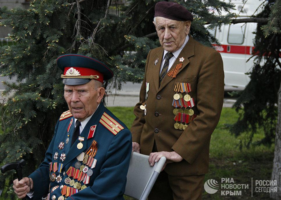 Ветераны Великой Отечественной войны на праздновании Дня Победы в Симферополе