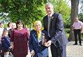 Глава Республики Крым Сергей Аксенов с ветераном Великой Отечественной войны