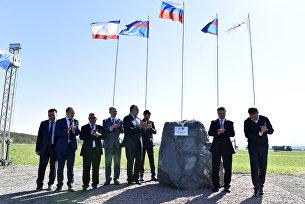 Торжественное мероприятие по закладке памятного камня, символизирующего начало работ по строительству трассы Таврида
