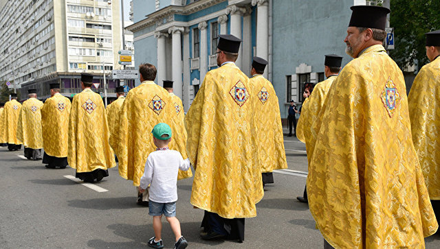 Крестный ход Украинской православной церкви в Киеве. Архивное фото