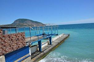 Подготовка пляжей Гурзуфа к курортному сезону