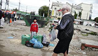 Восьмилетний ребенок, которого оставил отец с упакованным товаром