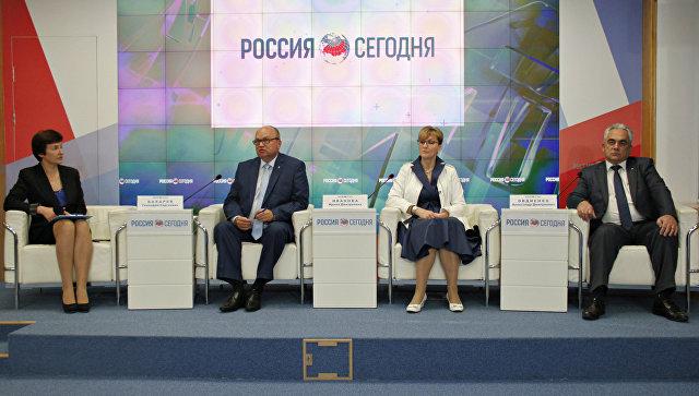 Пресс-конференция главы администрации Симферополя Геннадия Бахарева в мультимедийном пресс-центре МИА Россия сегодня