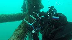 Группа водолазов штурмует газодобывающую платформу Крым-2
