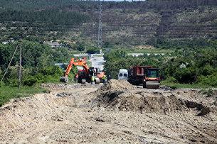 Восстановление разрушенного оползнем участка трассы Севастополь-Симферополь возле села Поворотного