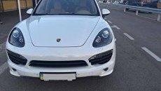 Пограничники на Украине задержали автомобиль Porsche Cayenne, которые следовал из Крыма