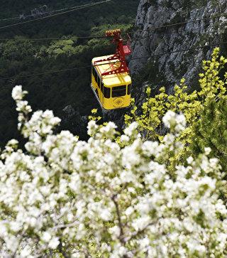 Канатная дорога на горе Ай-Петри