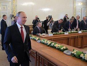 Президент РФ Владимир Путин принял участие в работе XXI Петербургского международного экономического форума