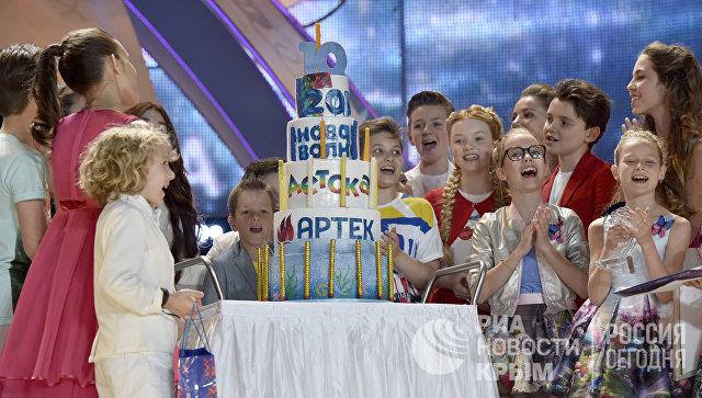 Закрытие международного конкурса молодых исполнителей популярной музыки Детская Новая волна в МДЦ Артек