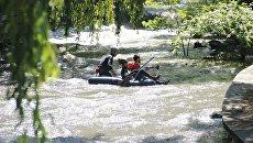 Гонки на каяках по реке Салгир, организованные в рамках празднования Дня города Симферополя