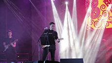 Экс-лидер групп Наутилус Помпилиус и Ю-Питер Вячеслав Бутусов на концерте по случаю Дня города Симферополя
