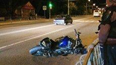 ДТП в селе Заречное Симферопольского района. Водитель сбил мотоциклистов и скрылся с места происшествия
