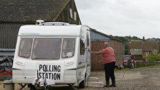 Участок для голосования на досрочных парламентских выборах в Лестершире, Великобритания. 8 июня 2017