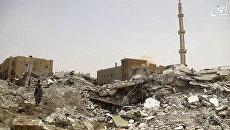 Последствия авиаударов коалиции по позиции ИГ на севере Ракки