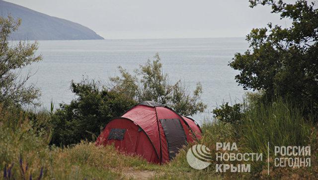 Палатка на территории ландшафтно-рекреационного парка Тихая бухта
