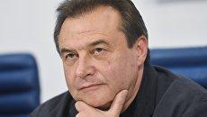 Режиссер Алексей Учитель на пресс-конференции создателей и актеров фильма Матильда