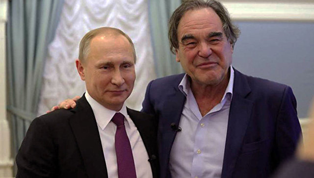 Кадр из фильма режиссера Оливера Стона Интервью с Путиным
