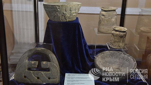 Экспонаты выставки Достояние Республики. ФСБ России против черной археологии. Часть артефактов датируется III-II веками до н.э.